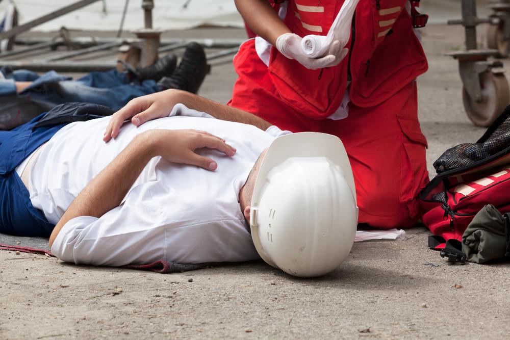 תאונה במרום העבודה עזרה ראשונה